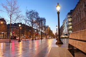 Francja: Duże zniszczenia po demonstracjach przeciwko ustawie o globalnym bezpieczeństwie