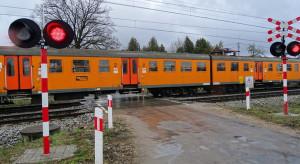 PKP PLK poprawiają bezpieczeństwo na kolejnych przejazdach kolejowo-drogowych