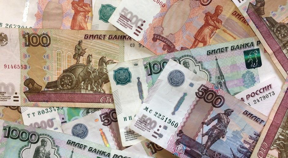 Rubel leci na łeb na szyję. Takiego spadku nie było od lat