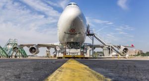 Samoloty stoją bezczynnie, a brakuje slotów dla przewozów towarów