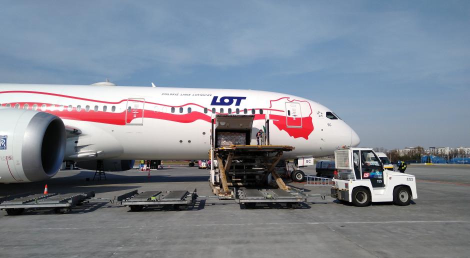 Opłacony przez KGHM samolot ze sprzętem medycznym wylądował w Warszawie