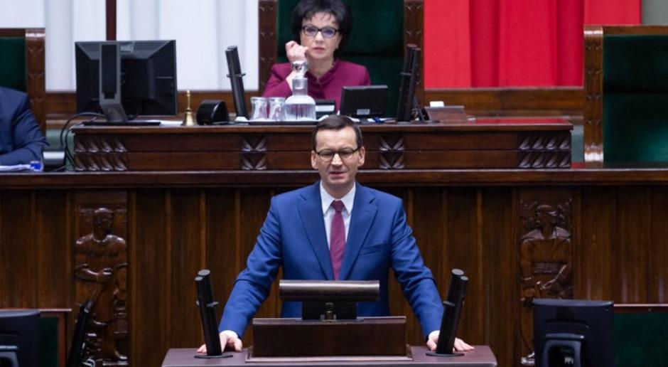 Tarcza antykryzysowa (dopłaty, ZUS, kredyty). Oto szczegóły ustaw przyjętych przez Sejm