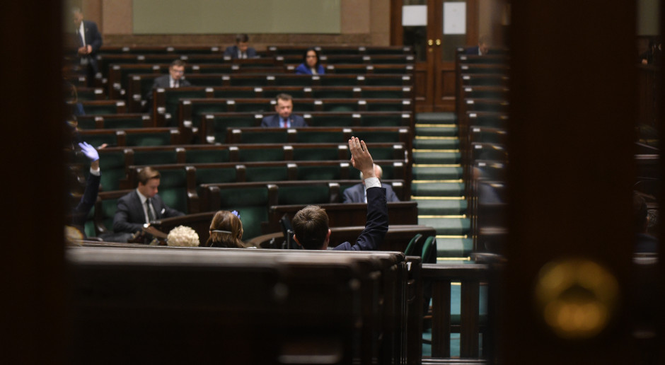Projekt tarczy branżowej wraca do komisji