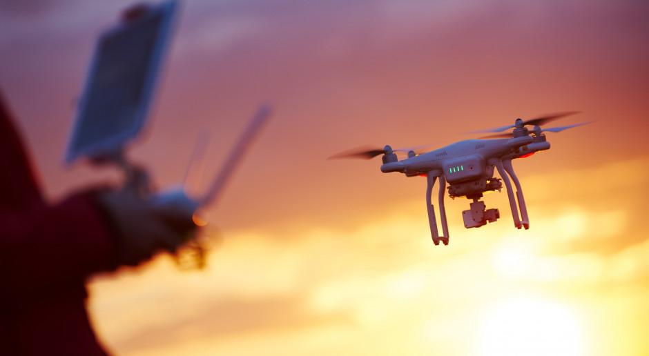 Będą jasne zasady lotów wykonywanych dronami