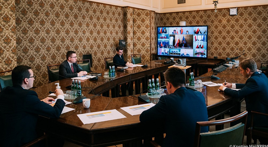 Rząd przyjął projekt ustawy wspierający realizację programów w związku z COVID-19