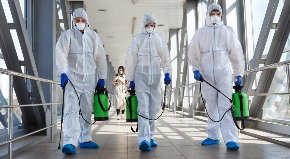 Koronawirusem w ponad jednej czwartej przypadków zakażają osoby bez objawów
