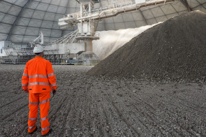 Bez tych fabryk może stanąć budownictwo, a nas zaleją śmieci