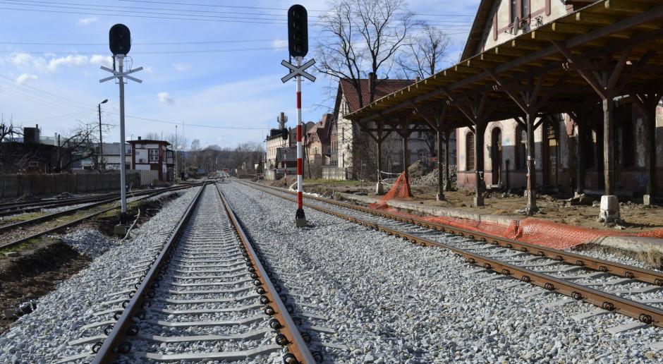 W 2021 roku pociągiem dojedziemy w masyw Ślęży