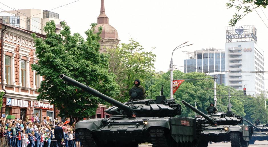 Rosja: Czołgi w paradzie zwycięstwa będą wyposażone w system ochrony przed koronawirusem
