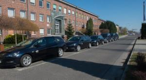 Grupa chemiczna użycza samochody osobowe do walki z epidemią