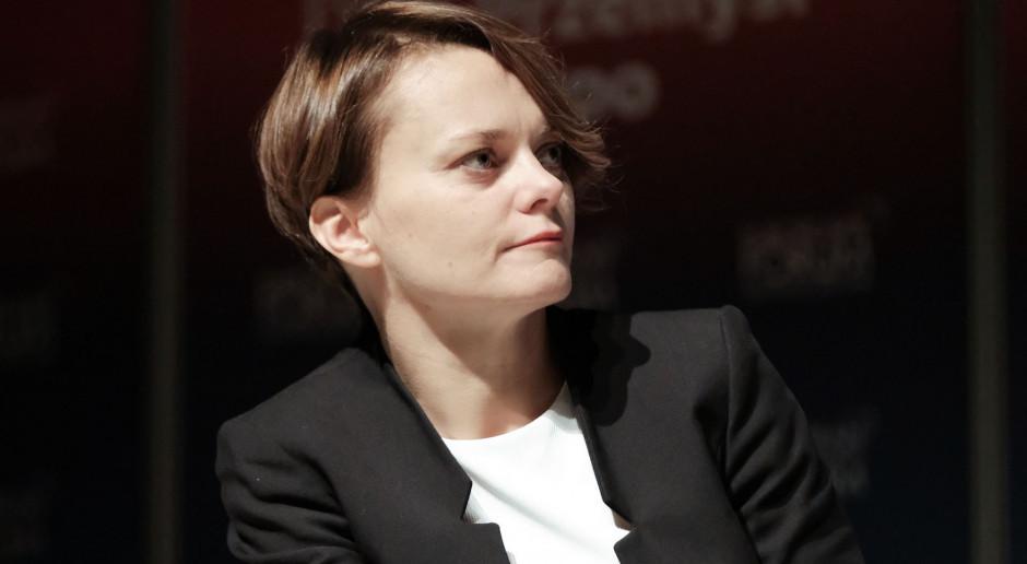Jadwiga Emilewicz: gospodarka będzie odmrażana etapami