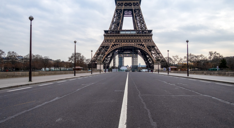 Francja : Rzecznik rządu: Nie otworzymy placówek kulturalnych, godzina policyjna od 18