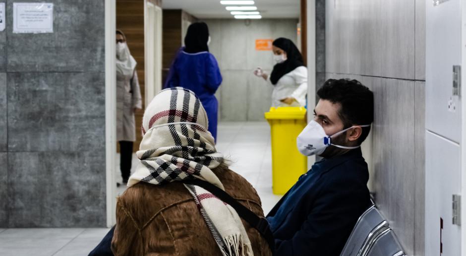Iran zaostrza restrykcje epidemiczne, wprowadza ograniczenia w podróżowaniu