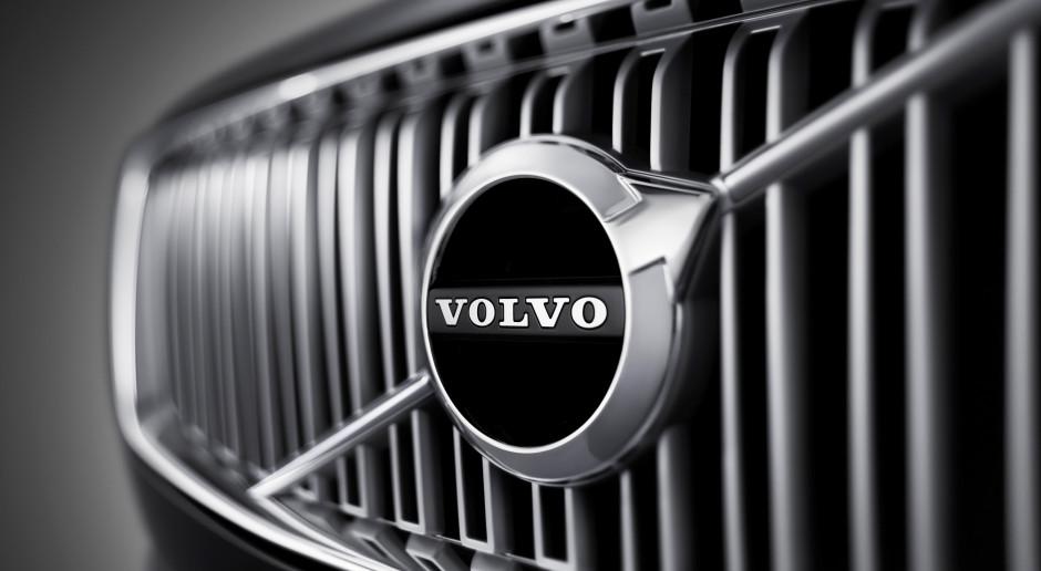 Właściciele marki Volvo obniżają prognozy po załamaniu zysków
