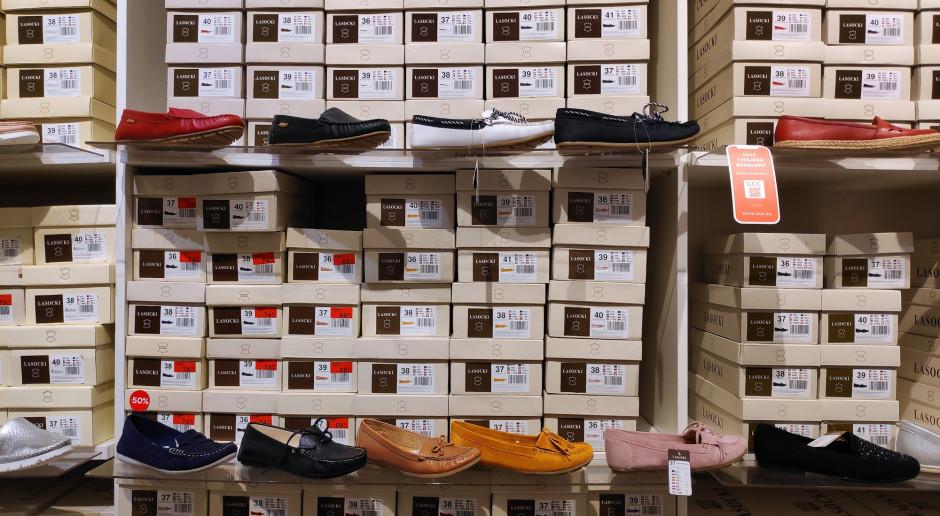 CCC: ruch w sklepach mniejszy o połowę