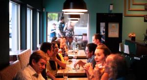 Włochy: Sondaż: 80 proc. mieszkańców kraju chce wrócić do barów i restauracji