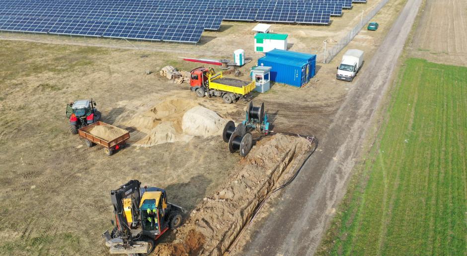 PBDI zbuduje farmy fotowoltaiczne dla R.Power