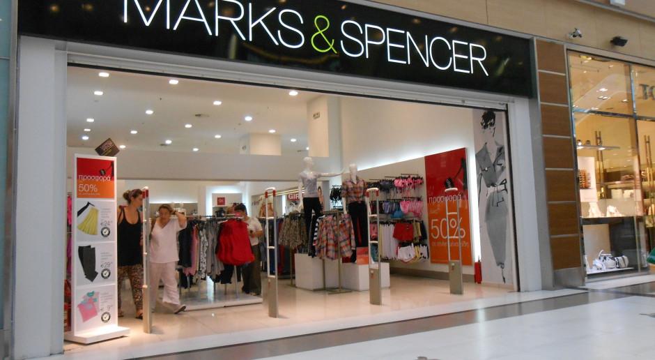 Marks & Spencer z 200 tys. ton niesprzedanej odzieży