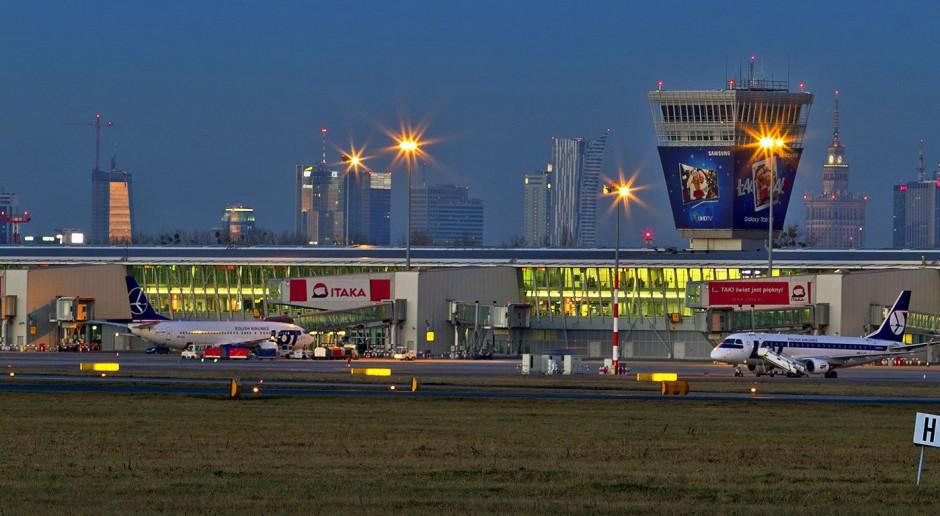 Lotnisko Chopina w kwietniu 2020 r. obsłużyło 13 tys. pasażerów - 99,1 proc mniej niż rok wcześniej