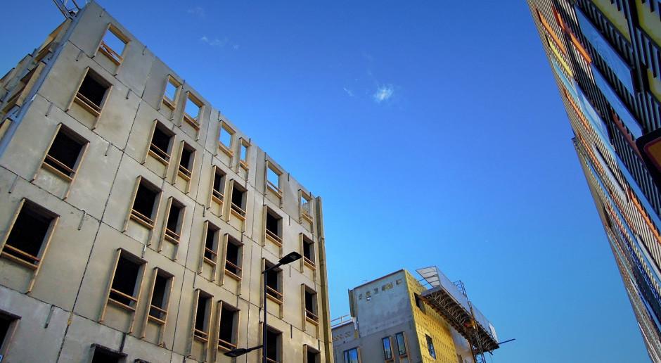 Rząd chwilowo złagodził warunki techniczne budynków dotyczące energii