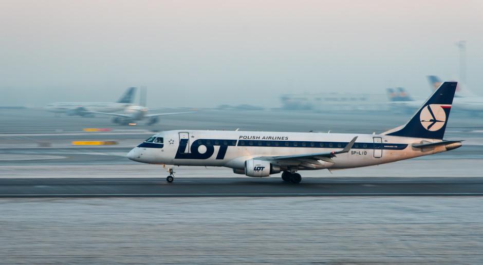 LOT planuje obniżyć wymiar etatu dla pracowników personelu latającego i pokładowego o 50 proc.