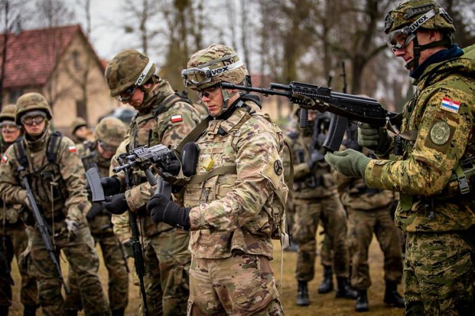 Armia dostanie 440 tys. nowych mundurów polowych. fot.Kamil Szczepura/18 PR