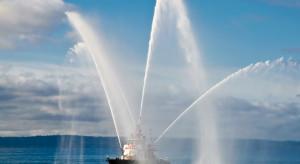 Porty Szczecin i Świnoujście chcą kupić statek pożarniczy
