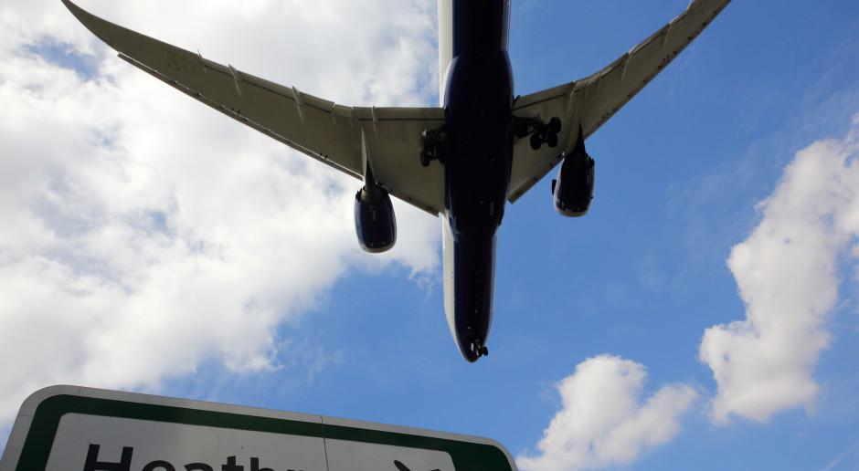 Kolejne kraje zawieszają lub zapowiadają zawieszenie połączeń lotniczych z W. Brytanią