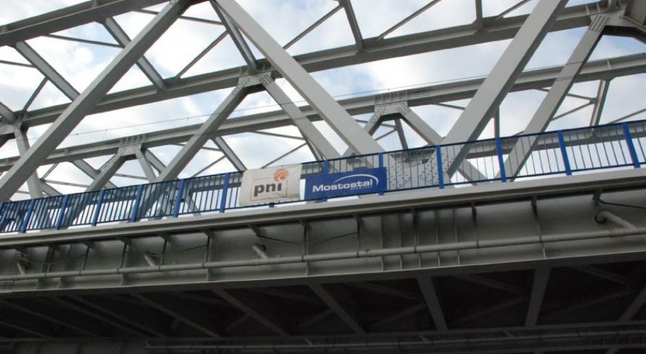 Remont mostu między Legionowem a Radzyminem na półmetku