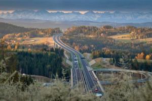 W budowie mamy 1200 km szybkich dróg. Przeszło 3400 km jest w trakcie przygotowań