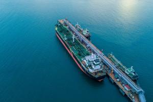 Arabia Saudyjska pokonała Rosjan w walce o największy rynek ropy