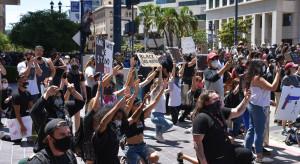 Inteligentne lampy miejskie posłużyły do śledzenia protestujących w USA