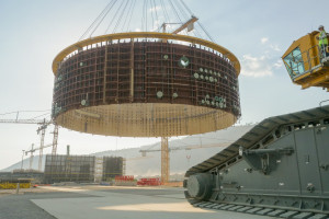 USA szykują kontrofensywę w energetyce jądrowej. Kłopotów im nie brakuje