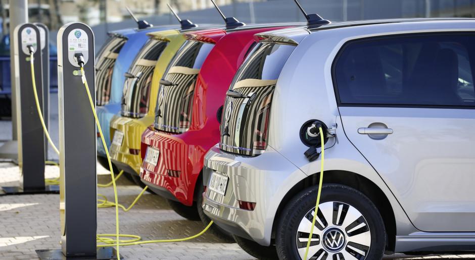 Dopłaty do samochodów elektrycznych cieszą Polaków, choć woleliby ulgi