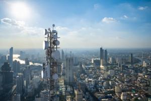 Sieć 5G w Polsce. Opóźnienie - liderzy nam umykają