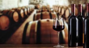 Premier Francji ogłosił zwiększenie pomocy dla branży winiarskiej