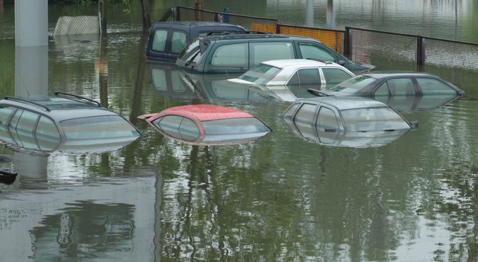 Holandia: Ulewy w północnej części kraju, ewakuowano domy opieki, zalane drogi