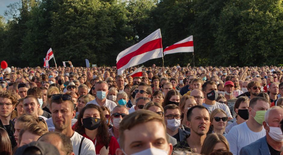 """Białoruski MSZ: jesteśmy nastawieni na dialog z UE, a sankcje to """"koniec polityki"""""""