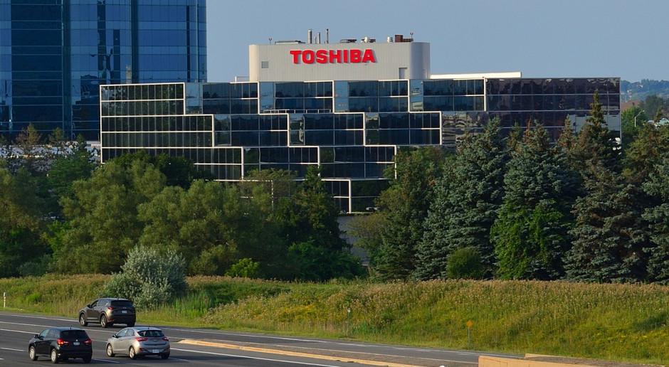 Pierwsza od czterech lata kwartalna strata Toshiby
