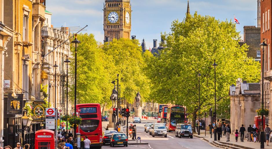 Wielka Brytania wpadła w recesję po rekordowym spadku PKB