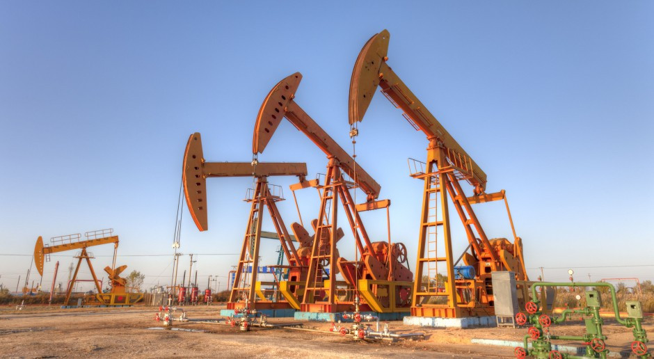Zapasy benzyny w górę, notowania ropy w dół