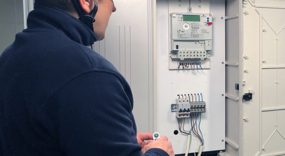 Konsorcjum spółek Grupy Apator i Phoenix Systems z umową na rozwój inteligentnych urządzeń energetycznych