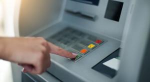 Opłaty bankowe rosną i będą rosnąć
