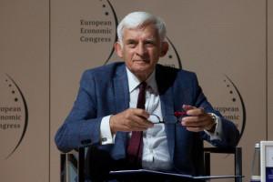 Jerzy Buzek: osłabiliśmy Unię, ale Europa wciąż daje nam wielką szansę