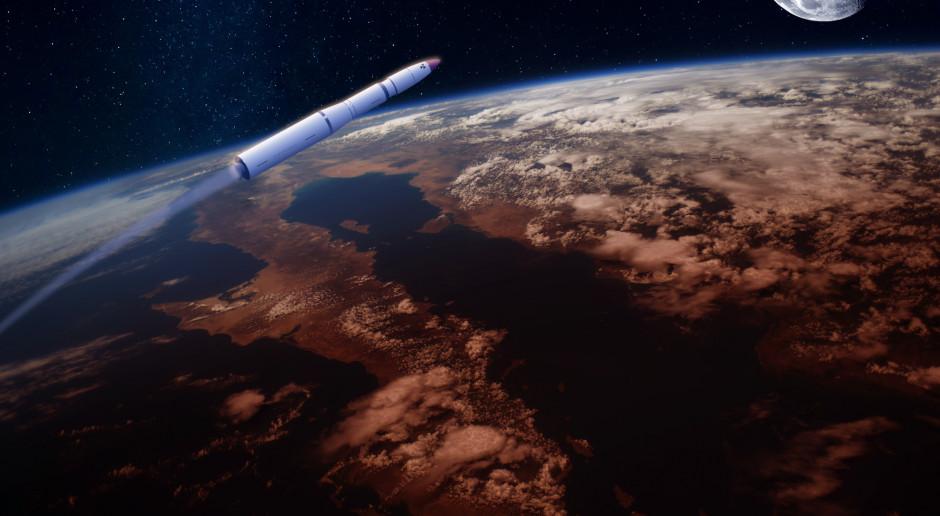Agencje badawcze: Fragment chińskiej rakiety spadnie na Ziemię w niedzielę nad ranem
