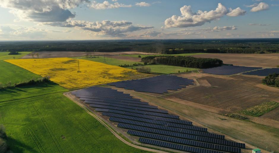 MDI Energia z umowami na budowę 12 elektrowni fotowoltaicznych