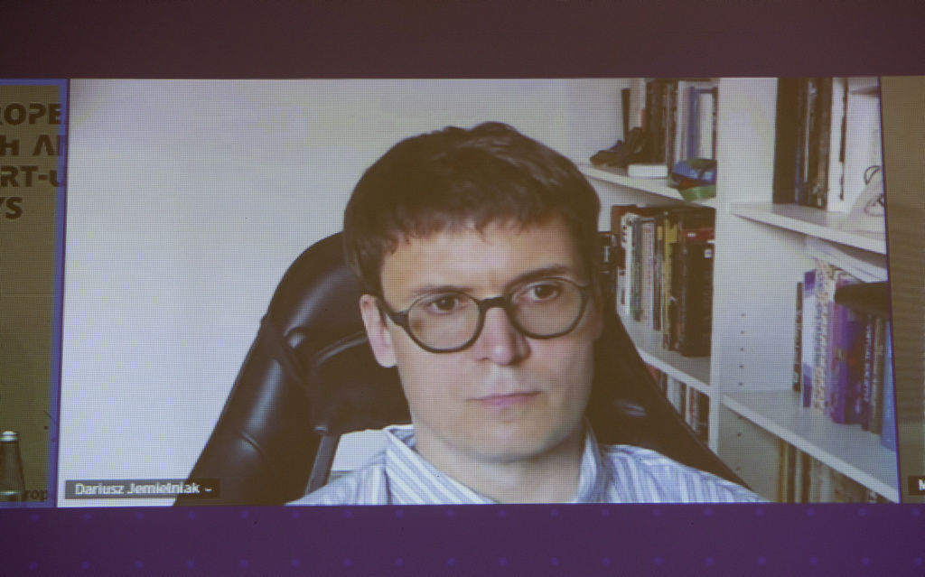 Dariusz Jemielniak z Katedry Zarządzania w Społeczeństwie Sieciowym Akademii Leona Koźmińskiego w Warszawie (fot. PTWP)