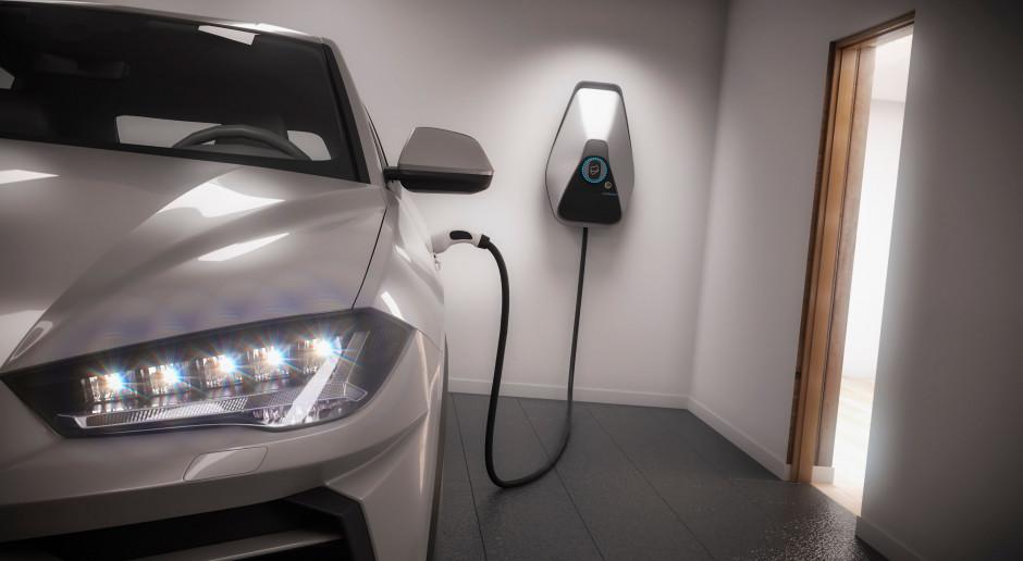 Japonia podwaja dotacje do samochodów elektrycznych zasilanych energią odnawialną