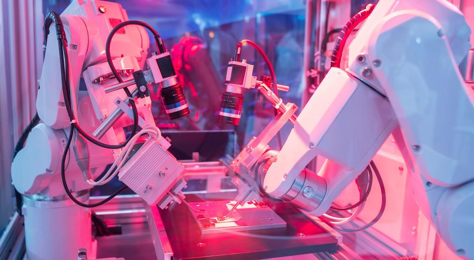 Firmy zyskały istotny powód do inwestycji w robotyzację i automatyzację