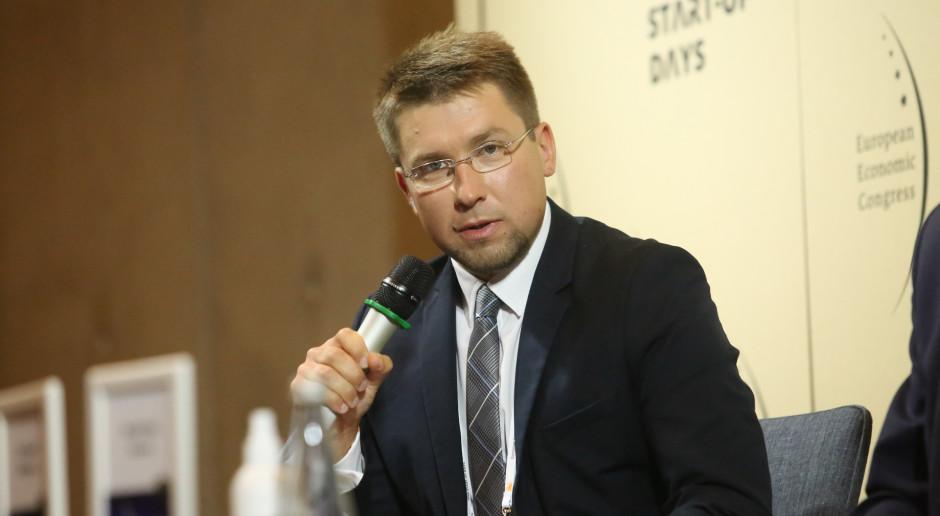 Dyskusję moderował Tomasz Elżbieciak, dziennikarz portalu WNP.PL. Fot. PTWP